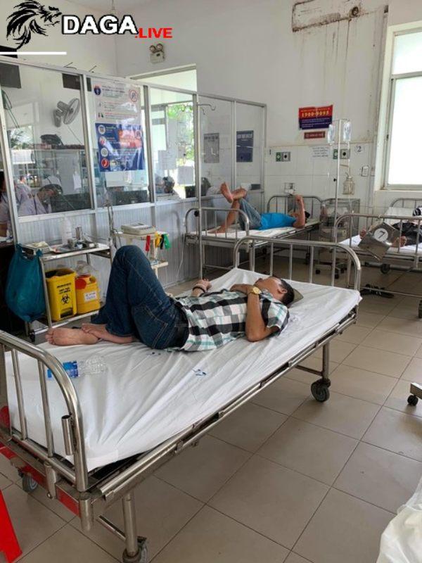 Em anh L bị đánh trọng thương phải cấp cứu do can ngăn
